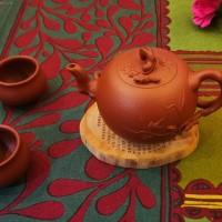 紫砂花器--松鼠葡萄壶全手工朱泥